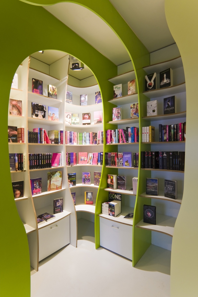 bespoke, shop design, shop, bookstore, childrensbookstor, kinderboekwinkel, design, originaldetails, urbanliving, interiordesign, interiorarchitecture, renovation, architects, building, architect, retail, retail design, winkelinterieur